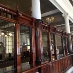 旧唐津銀行内部