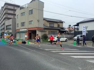 伊万里ハーフマラソン2016 10:08 開始直後 松島交差点付近 井川歯科撮影